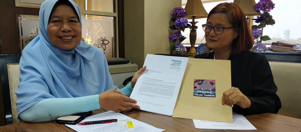 Signatures delivery to Local Government and Housing Minister Zuraida Kamaruddin