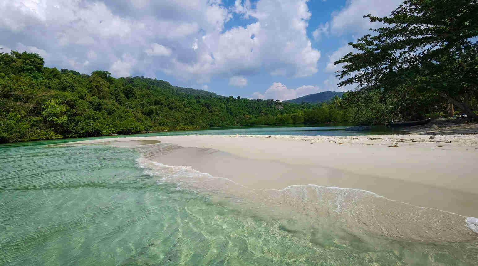blue-lagoon-on-beach