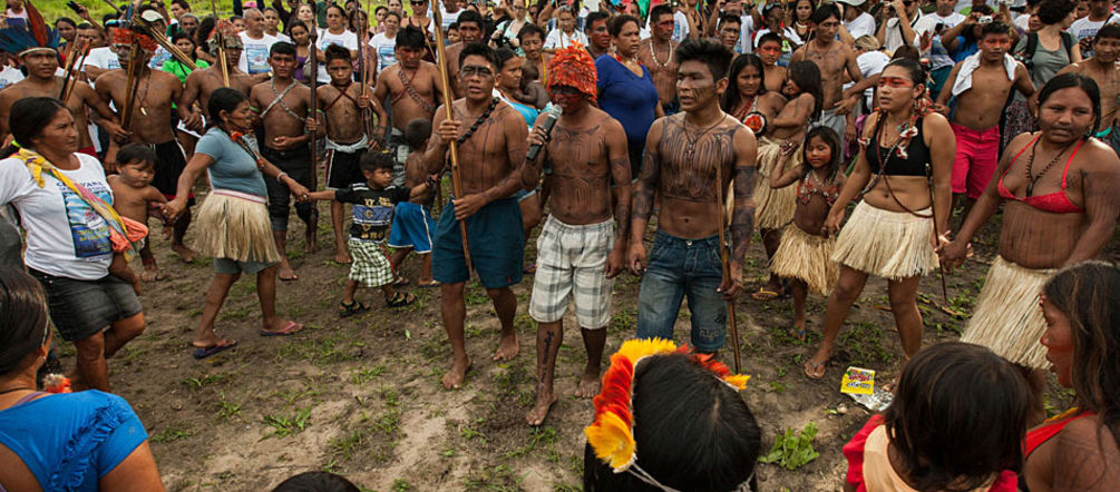 Mundurukú people protesting the Tapajós dam
