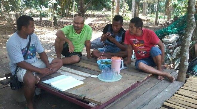 Villagers in Pahang, Malaysia, learn how to chart their land