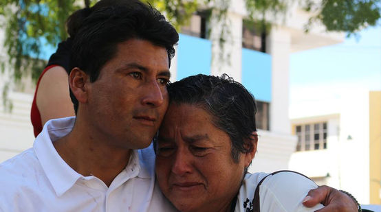 Javier Ramírez hugging his mother